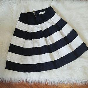 Navy Stipe Short Bandage Pleat Skirt